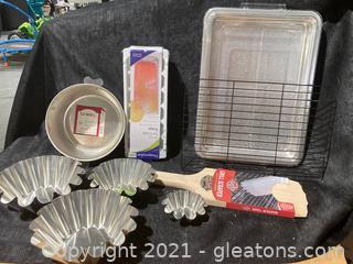 Kitchen Essentials, Lot of 11