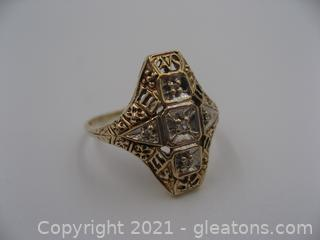 10kt Yellow Gold Vintage Diamond Ring