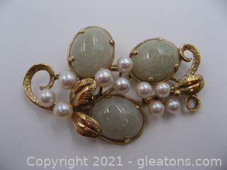 14kt Yellow Gold Jade and Pearl Brooch