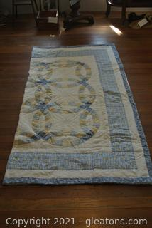Wedding Ring Patterned Quilt (Hand Stitched)