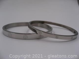 Set of 2 Costume Bracelets