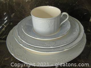 Mikasa South Hampton Blue (4) 5 Piece Place Setting Plus a Serving Bowl (These are blue and match Lot 2111A)