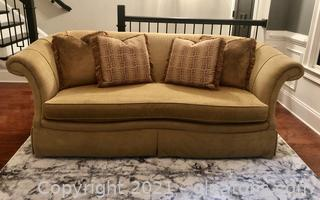 Huntington House Sofa with Four Pillows