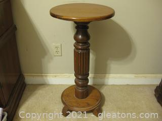Oak Table on a 4-Footed Pedestal