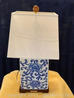 Ralph Lauren Chinoiserie Porcelain Floral/Blue table Lamp W/Shade