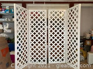 Lot of 2 Bi-Fold Lattice Screens