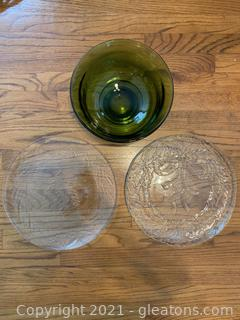 Beautiful Glass Lot (3 Pieces)