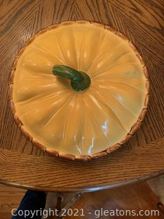 "Ceramic Covered Pie Plate ""Pumpkin"""