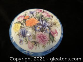 "Floral Enchantment music box and trinket box ""In the Good Old Summertime"""