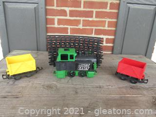 Vintage 1970 Remco Mighty Casey Train / Green Engine Yellow & Red Cars Plus 12 Piece Track / NOT TESTED