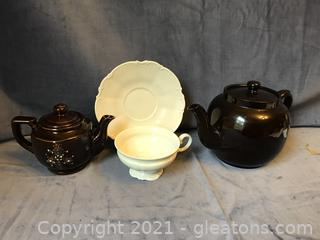 Hutschenreuther cup and saucer 2 teapots