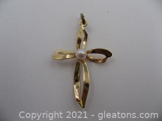 14kt Yellow Gold Pearl Cross Pendant