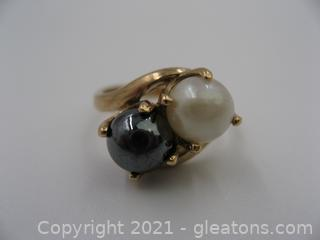 10kt Yellow Gold Bypass Pearl and Hematite Ring