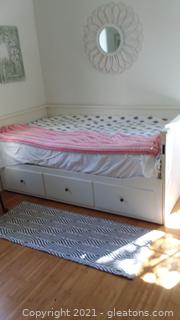Convertible Daybed with Trundle and Drawers; Twin To Full- Does not Include Linens