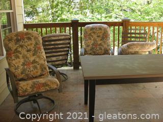 Set of 4 Metal and Resin Swivel Patio Chairs W/Cushions
