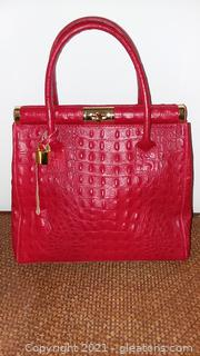 Never Used Red Ostrich Leather Grada Pelle Hand bag from Italy Certified by Owner