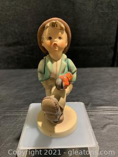 "Goebel Hummel Figurine ""Globe Trotter"""