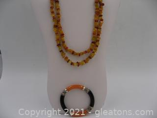 Onyx, Dyed Quartzite and Carnellan Necklace and Bracelet Set
