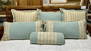 Large Pillow Lot (6 Pieces)