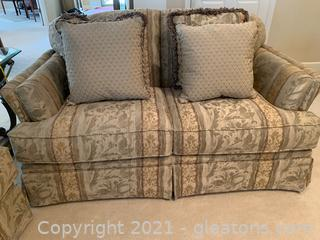 Haverty's Loveseat W/ 4 Throw Pillows