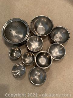 Mixing Bowl and Collander Lot