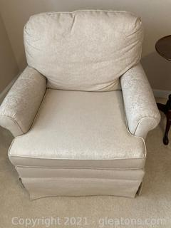 Plush, Swivel /Rocking Club Chair, Off White