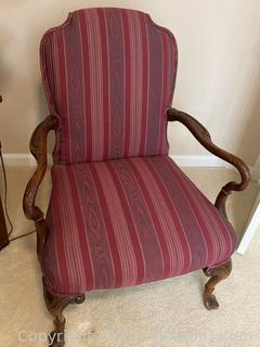 Mahogany Queen Anne Style Arm Chair W/Beautifully Detailed Carved Legs