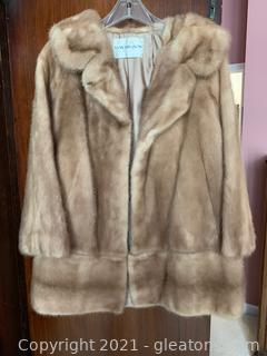 "Davison's Mink Fur Coat W/ 7"" Zip Off Extension"