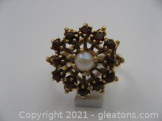 14kt Yellow Gold Garnet and Pearl Ring