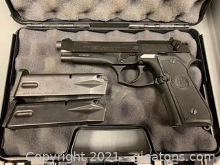 Beretta Model 92FS 9mm Pistol with two 15 Round Magazines and Case