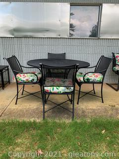 Timeless Iron Grate Round Patio Table/4 Chairs