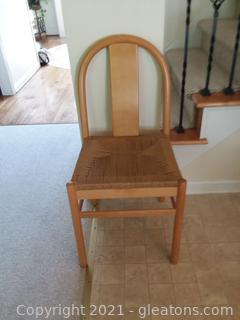 Unique Maple Round Bench Chair