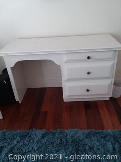 White 3 Drawer Enclosed Desk