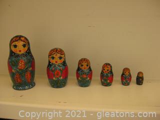 Beautifully Hand-Painted Matryoshka Russian Nesting Dolls (6 Piece Set)