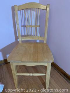 Pretty Pine Wood Chair