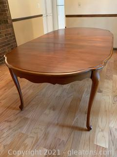 Lovely Queen Anne Style Dining Table W/ Two Leaves