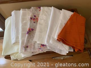 Round Table Clothes (Lot of 8)