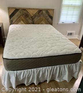 Rustic Barn Wood Slat Queen Bed with Mattress and Boxsprings