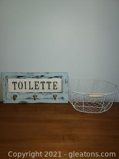 Dainty Bathroom Lot (2 Pieces)