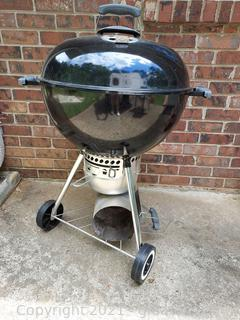 Very Nice Round Weber Charcoal Grill with Cover