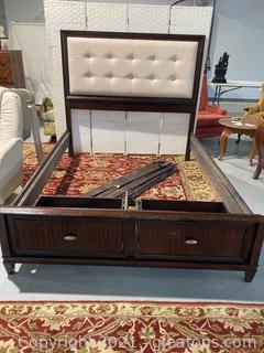 Queen Tufted Platform Bed W/2 Drawer Storage