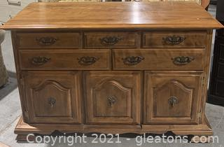 Sturdy Wooden Dresser with Dovetail Drawers