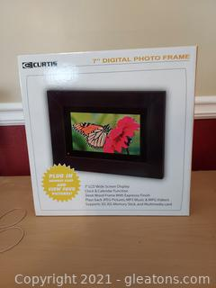 "NIB 7"" Digital Photo Frame"