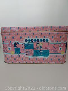 Retro Peanuts Beauties Storage Tin