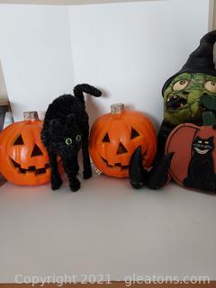 """Spooky"" Halloween Decor 5 Pieces"