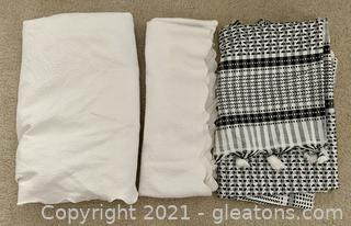 White Scalloped Runner/Table Cloth and Black/White Cloth