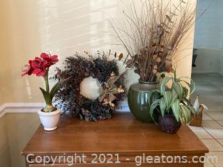 Lot of 4 Dried and Silk Floral Arrangements