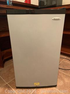 Haier Aficionado Compact Refrigerator