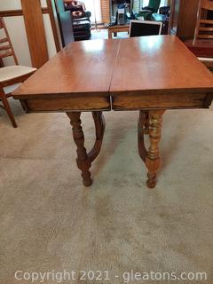 Beautiful Antique Oak Table