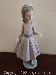 Lladro Girl Ballerina